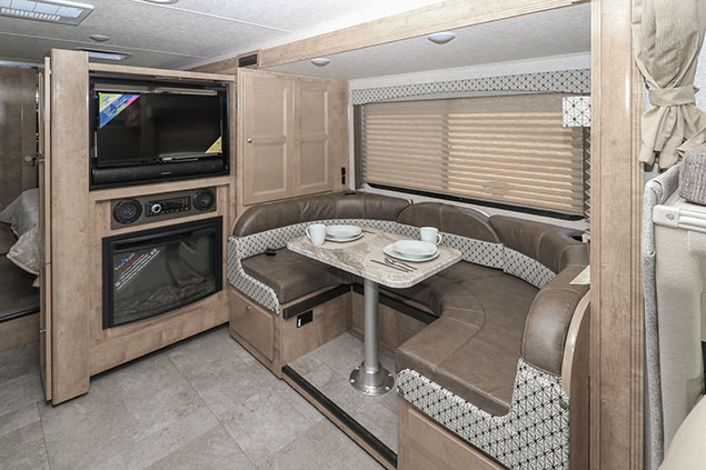 COACHMEN LEPRECHAUN 240FSF