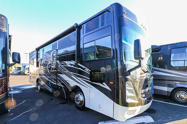 2021 Coachmen MOTORHOMES Sportscoach 339DS