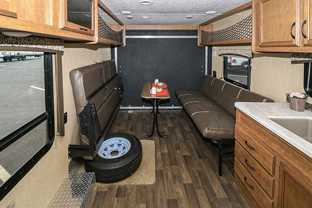 2018 STARCRAFT AUTUMN RIDGE 260HR TOYHAULER