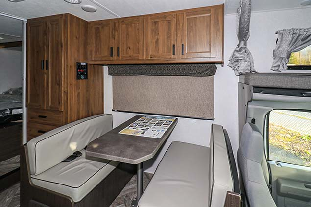 2021 FOREST RIVER SUNSEEKER 2250SLE