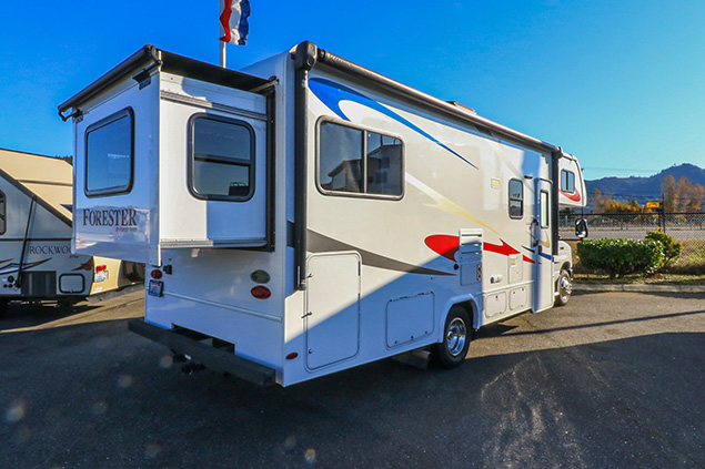 2017 FOREST RIVER FORESTER 2501TS