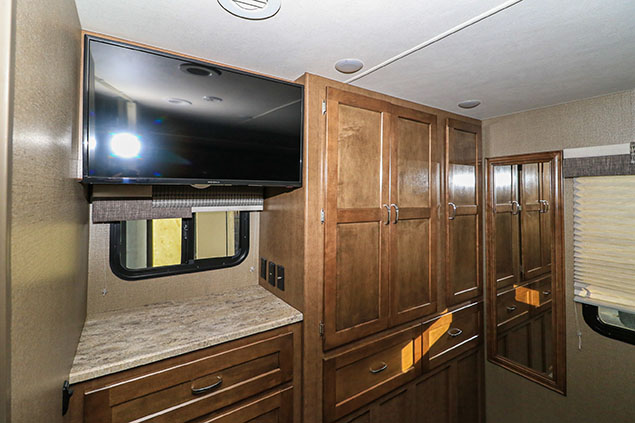 2018 WINNEBAGO INTENT 26M