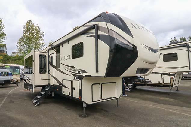 2019 Keystone Alpine 3400RS