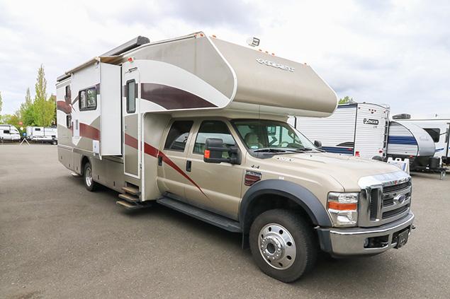 2008 Host Motorcoach 330 4WD