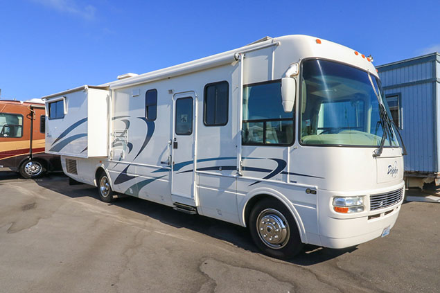 2004 National Dolphin 5342