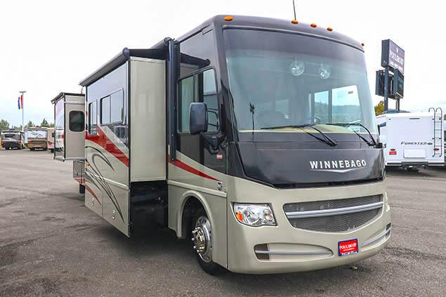2015 Winnebago Sightseer 33C